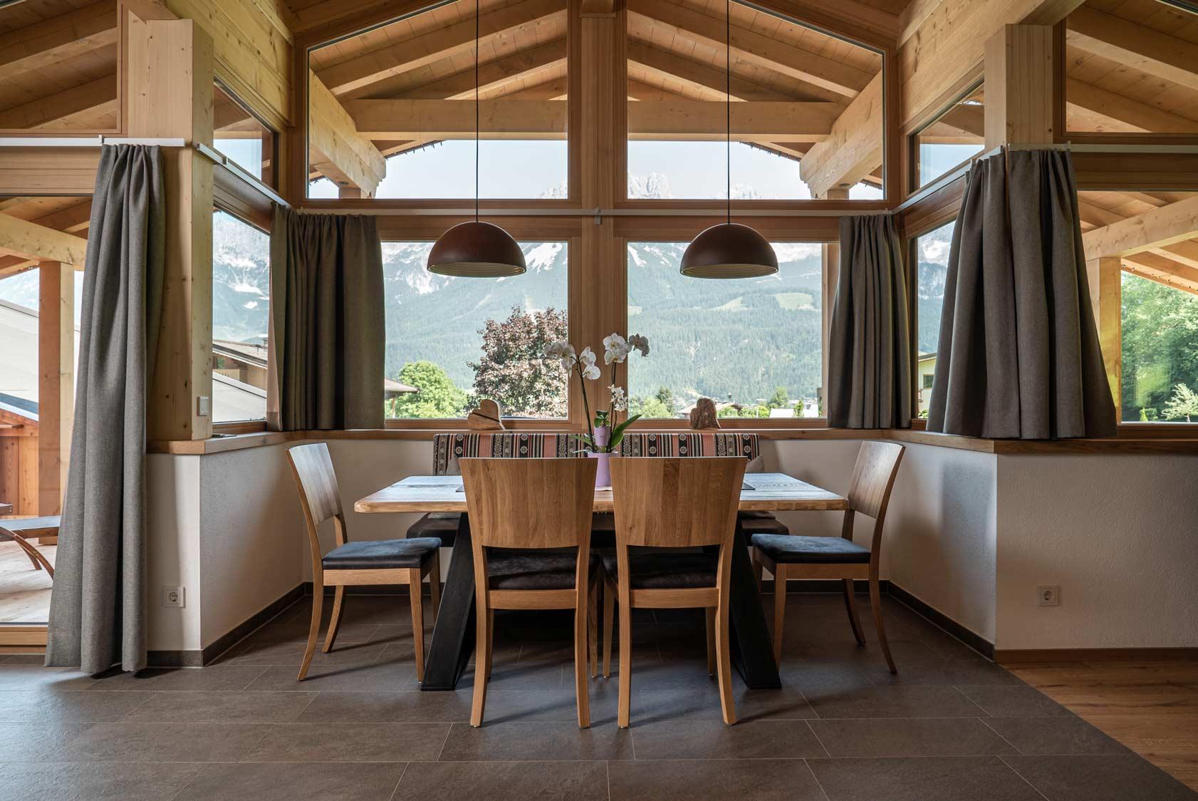 Auermühle Premium Penthouse Appartement – Essbereich