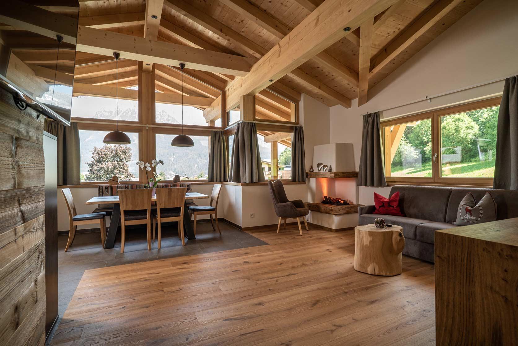 Auermühle Premium Penthouse Appartement – Wohn-Ess-Bereich