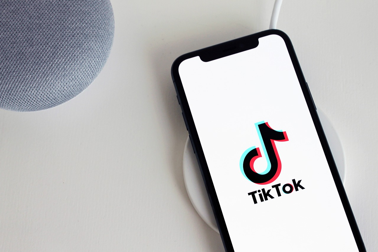 Popular short video app TikTok banned in Pakistan over Inappropriate Content