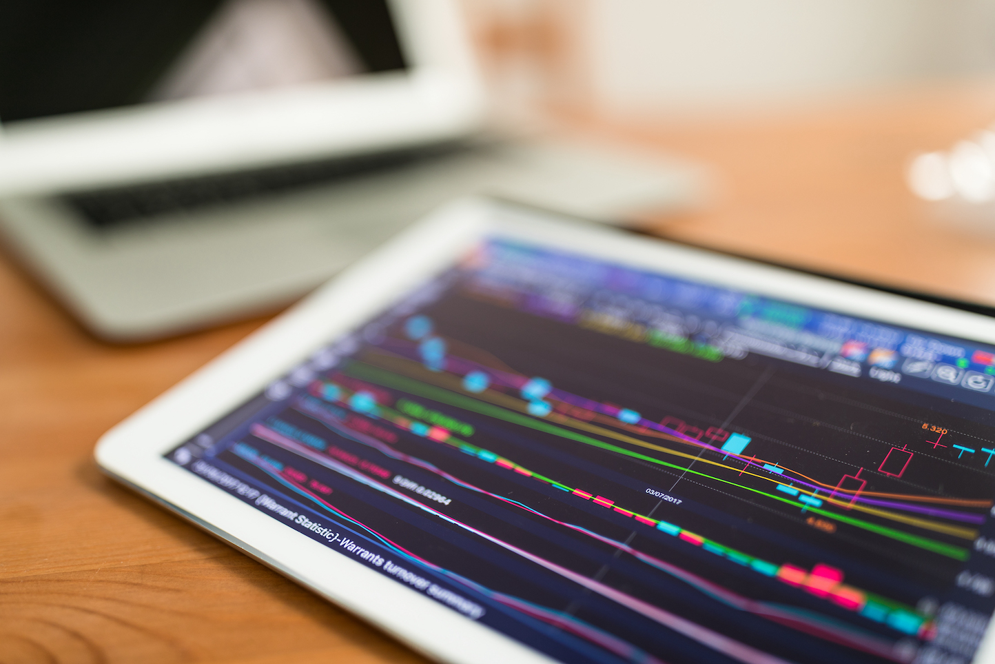 8 Best Tablets for Stock Trading: Buyer's Guide