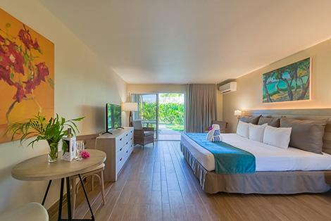 Bedroom & Dining Area