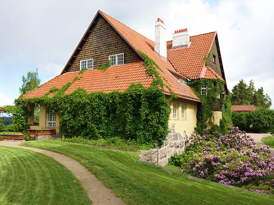 SaarinenHouse