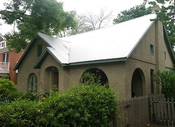 Its very common to see metal roofing. We hope to have one on our next project