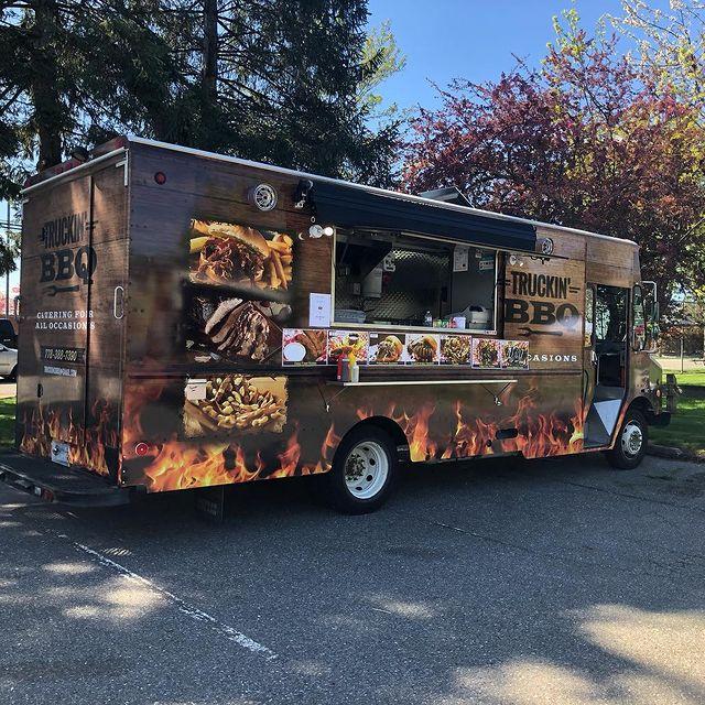 Truckin' BBQ Food Truck Photo Outside