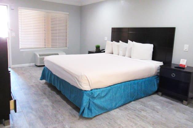 King Bed ADA Room