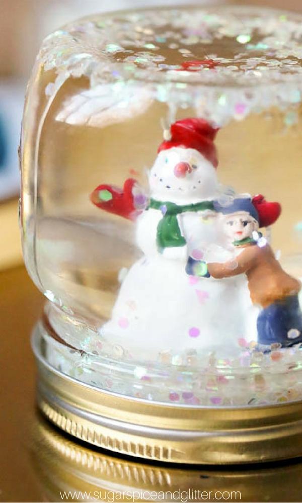 Snow Globe image via Sugar, Spice and Glitter