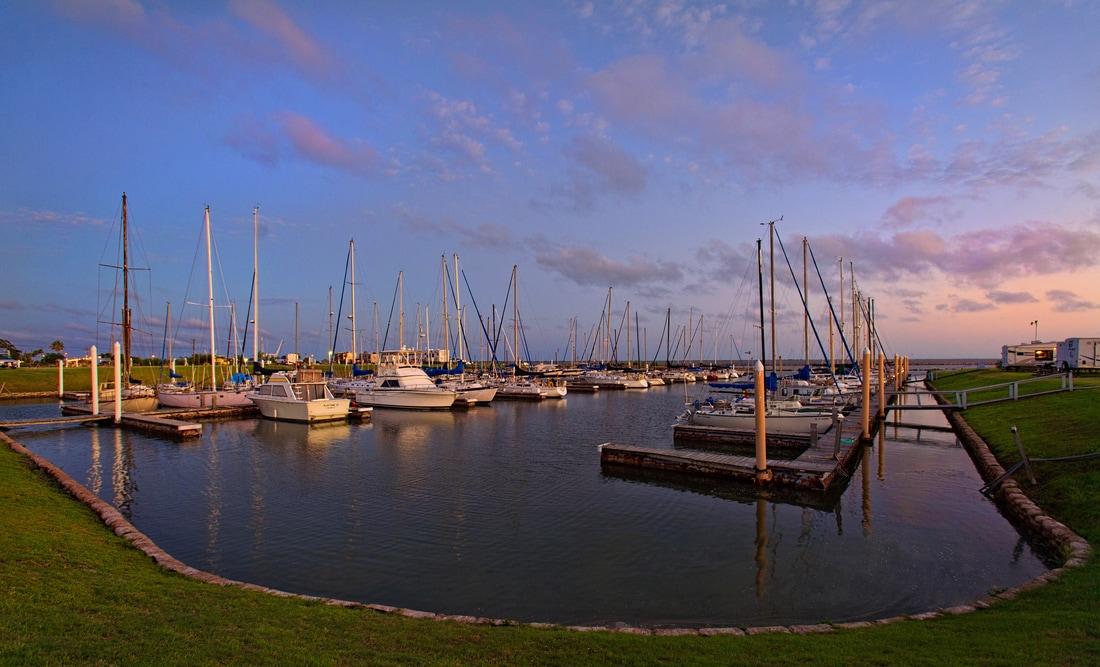 yacht club cabin rentals in palacios texas