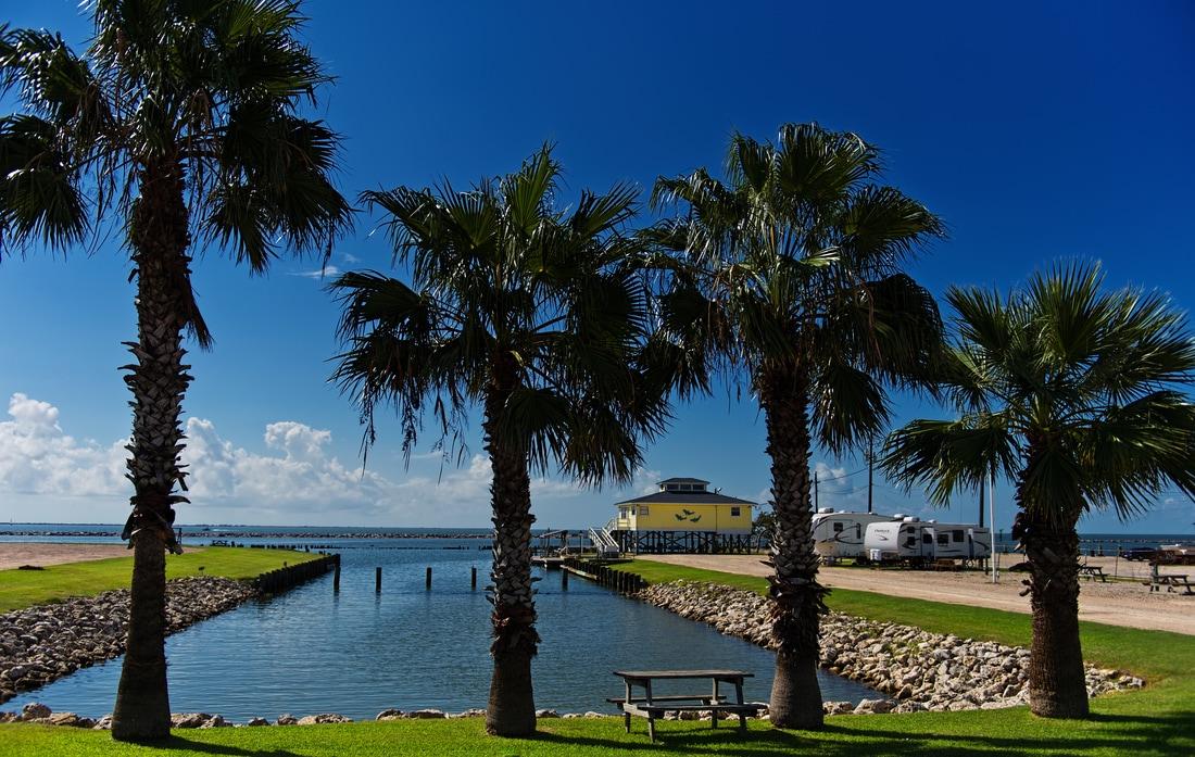 palms tree marina in palacios texas