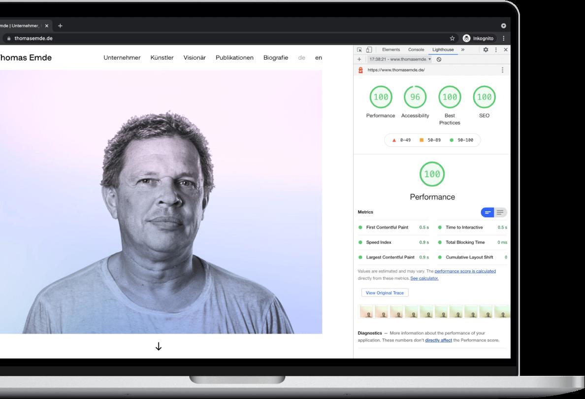 Screenshot von einer Webflow Webseite mit einer Performance von 100 Punkten