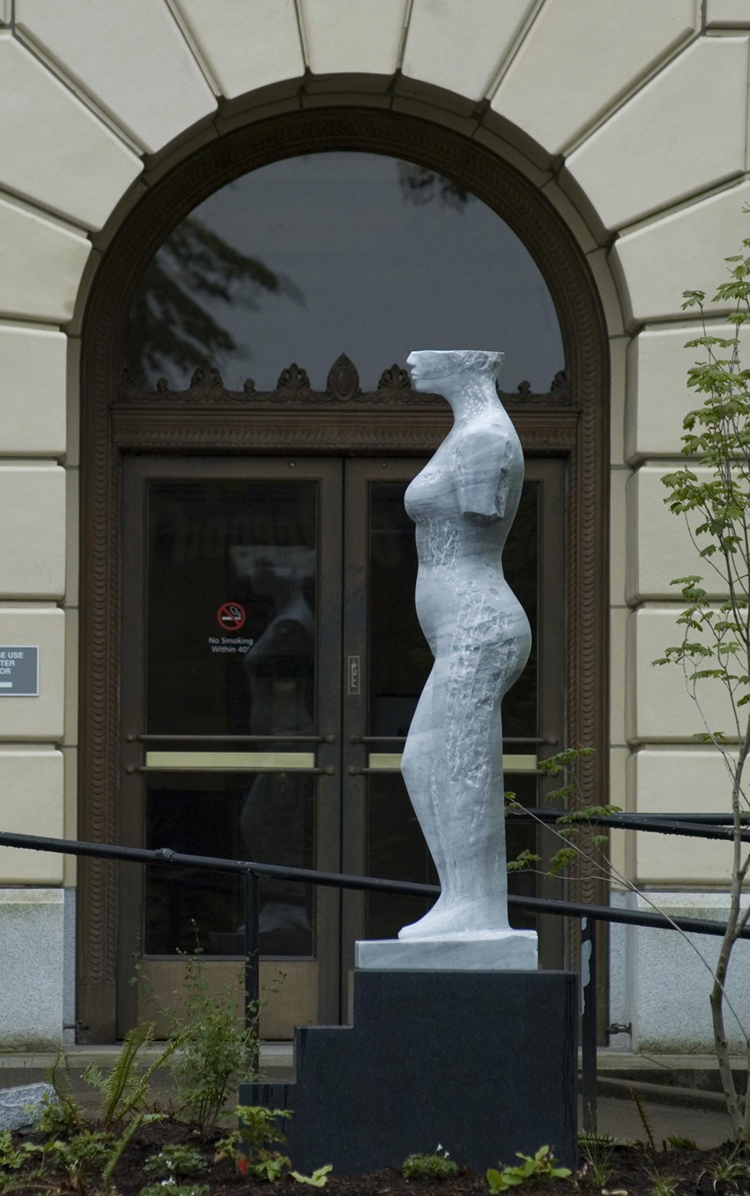 Italian Bardiglio Marble on Granite base