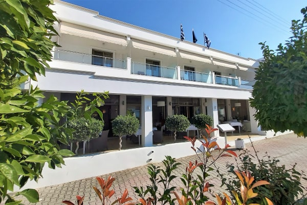 Akrogiali Exclusive Hotel