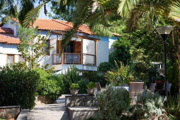 Villa Karavitsi