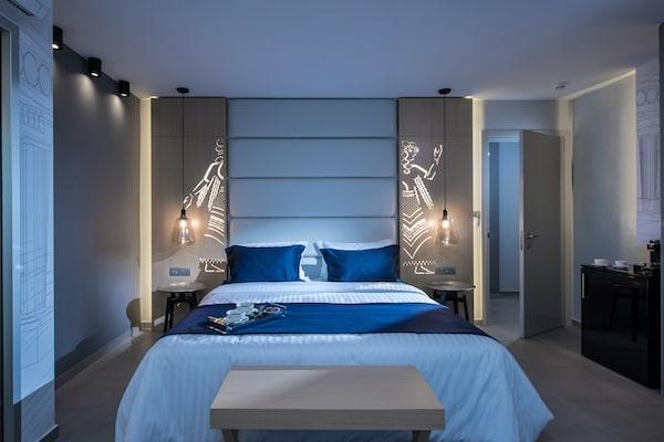 Lavris City Suites