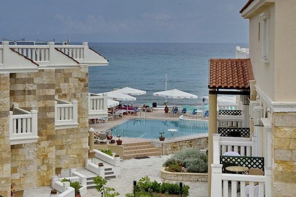 Jo-An Beach Hotel