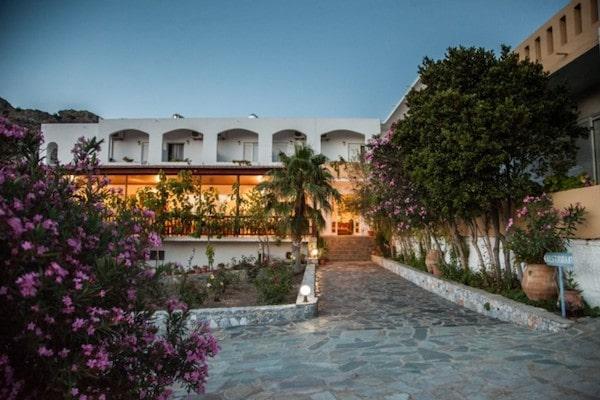 Ammoudi Hotel