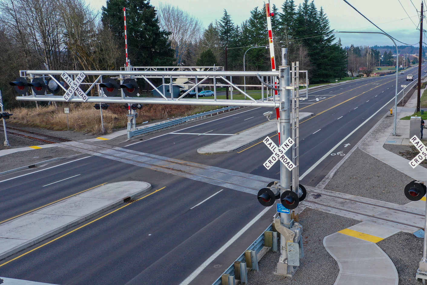 When it comes to railroad crossings, we understand the necessity of getting all of the details right. From lighting to controls and railroad crossing arms, Northeast Electric has installed various crossing systems throughout the Pacific Northwest.