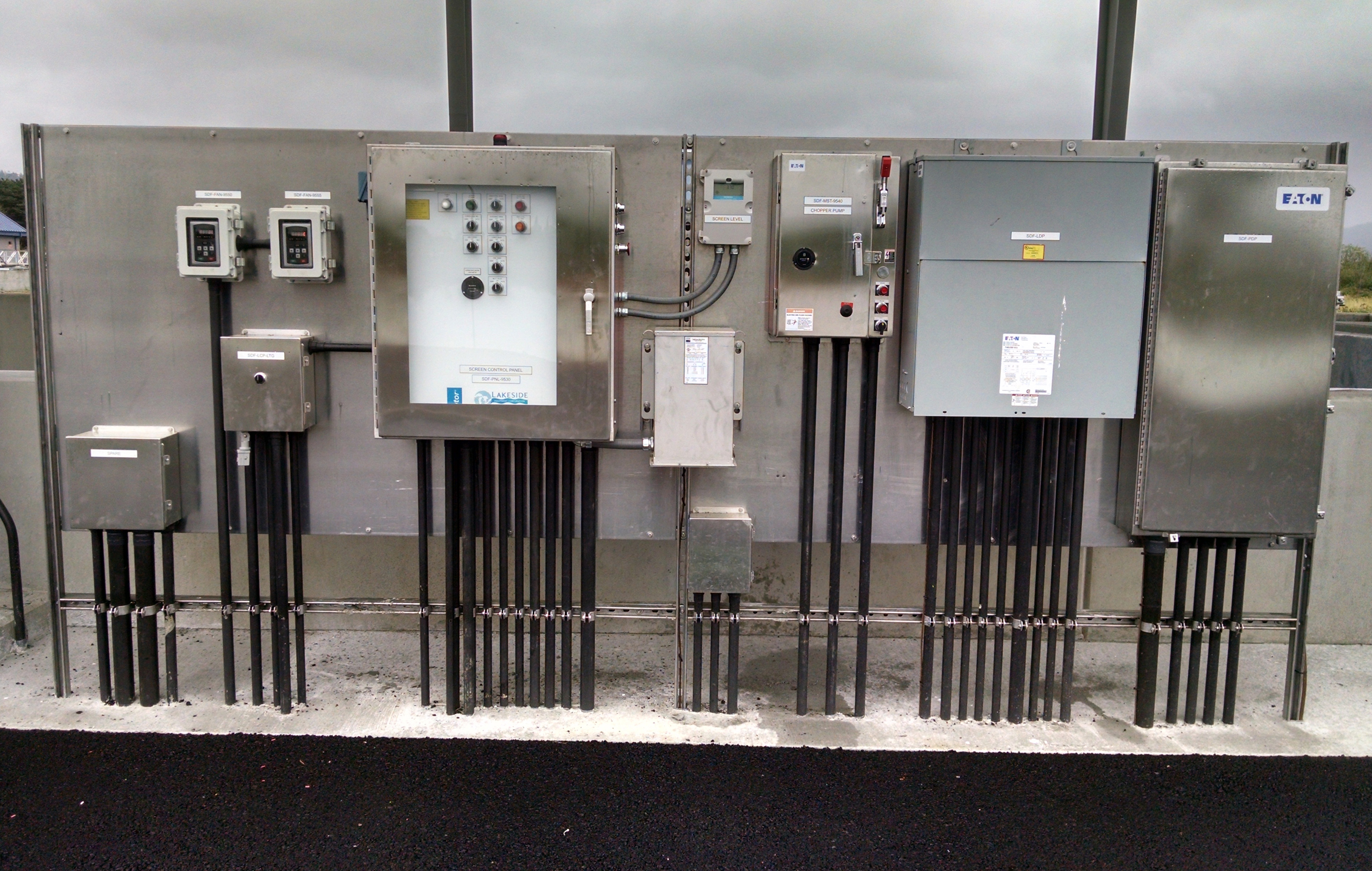 From water distribution facilities to waste water treatment, we've built new designs, as well as, retrofitted existing treatment facilities while in operation. For highly technical treatment facilities call Northeast to ensure your power and control systems are properly designed and installed.