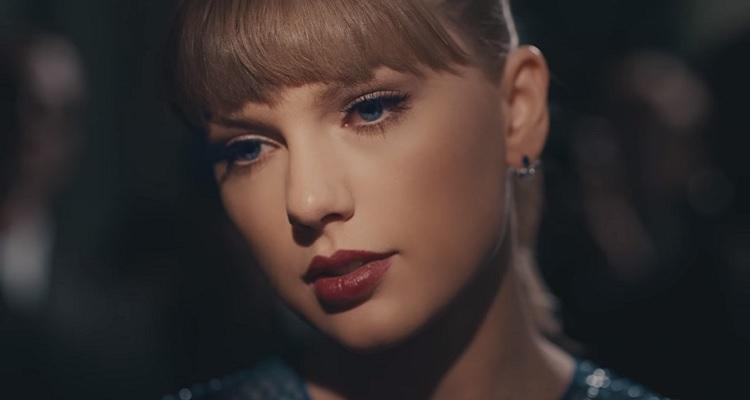 Taylor Swift looking sad