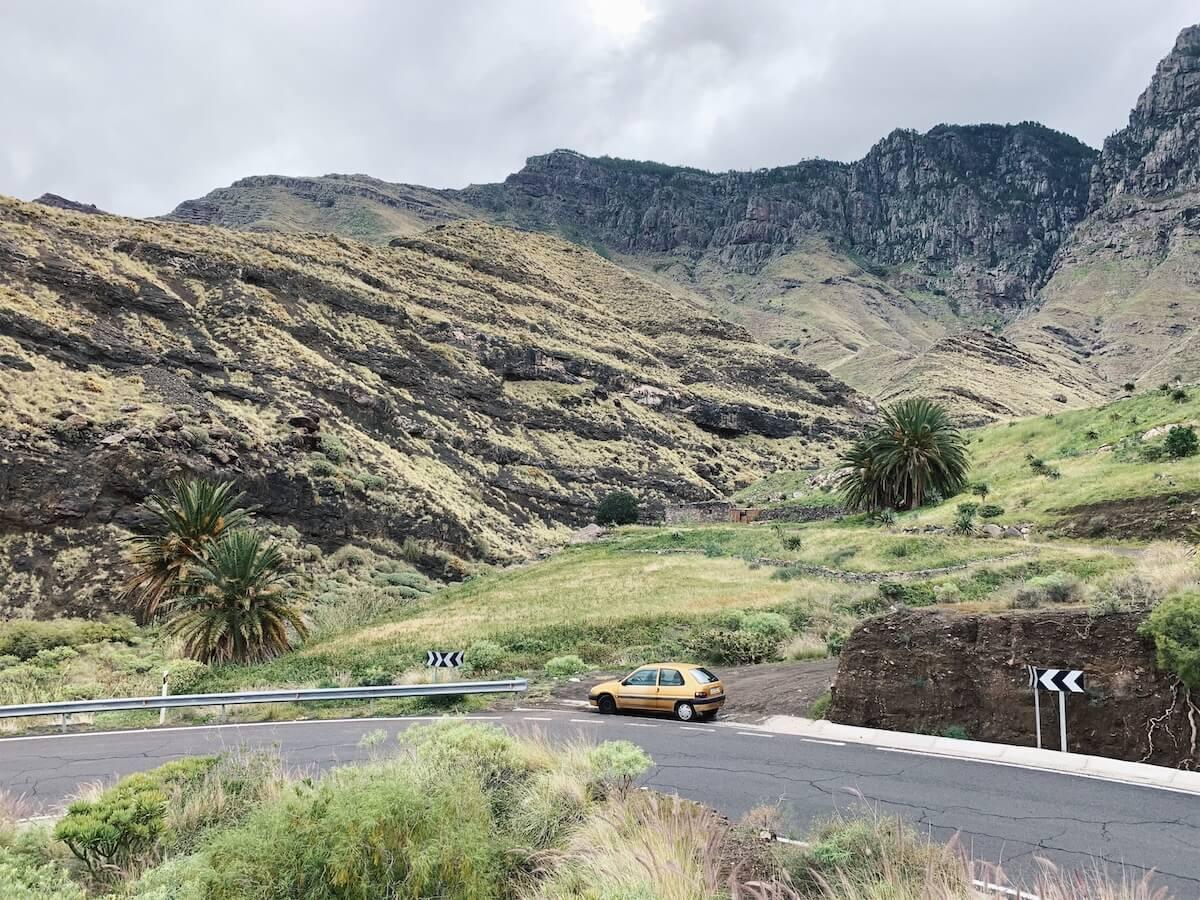 Explore Gran Canaria by car