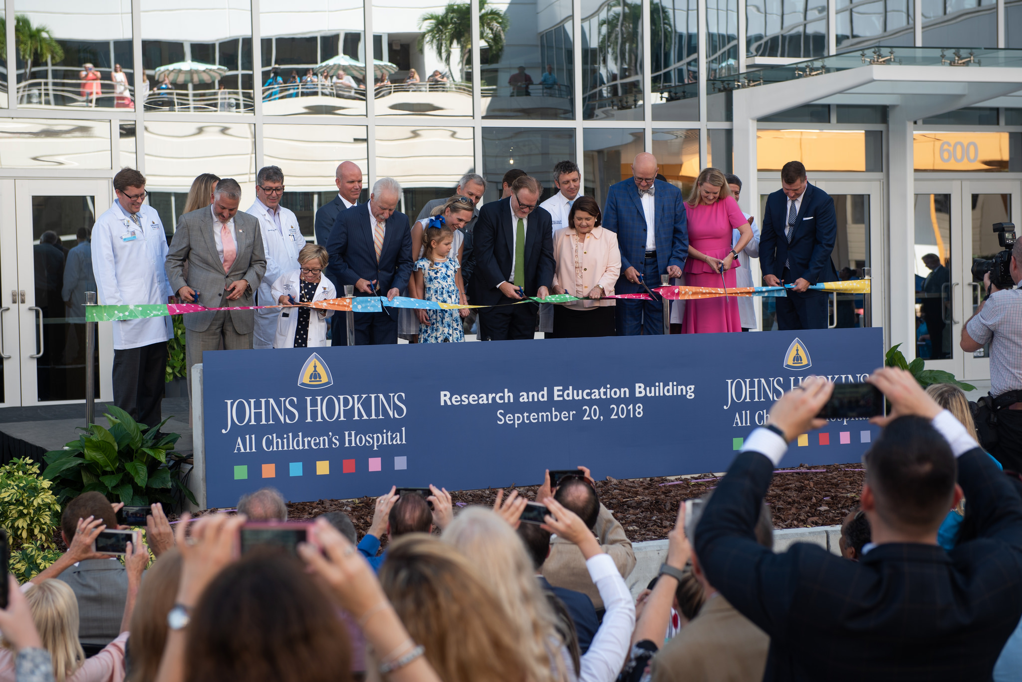 Ribbon cutting ceremony of the Johns Hopkins All Children's Hospital Research and Education Building