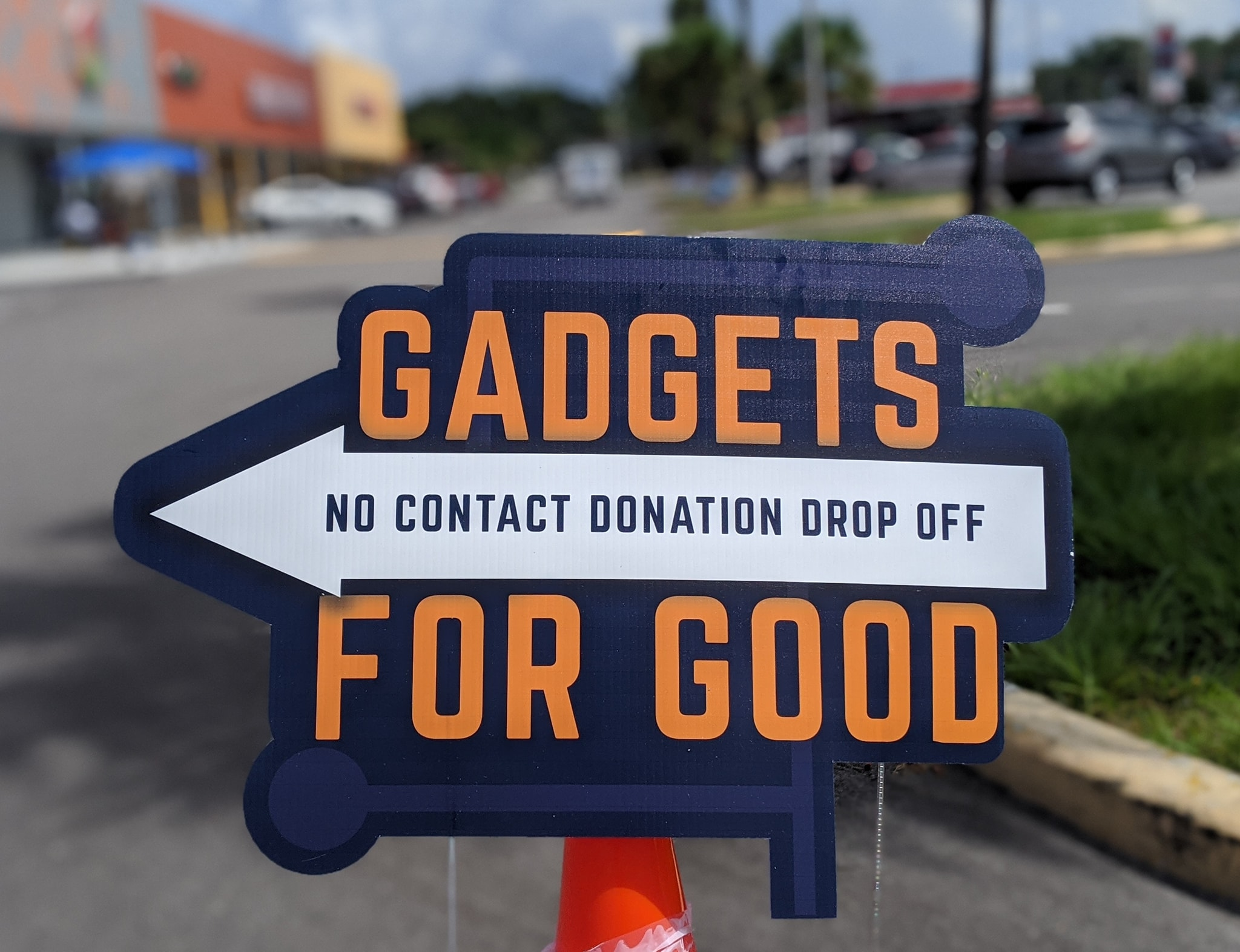 Gadgets for Good sign