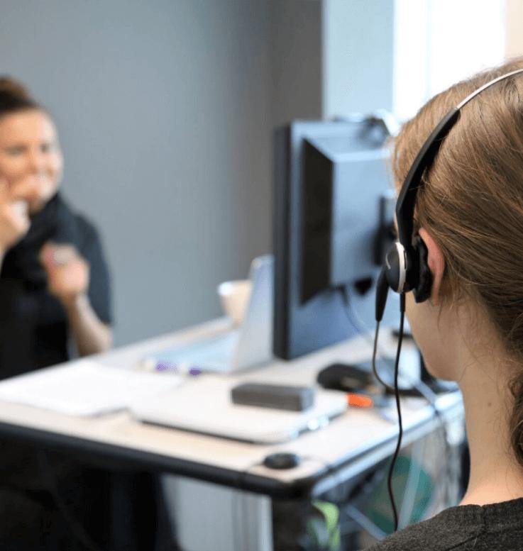 Video Remote Interpreting | iYellow Interpreting