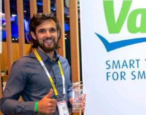 Tchek wins the Valeo challenge at Vivatech