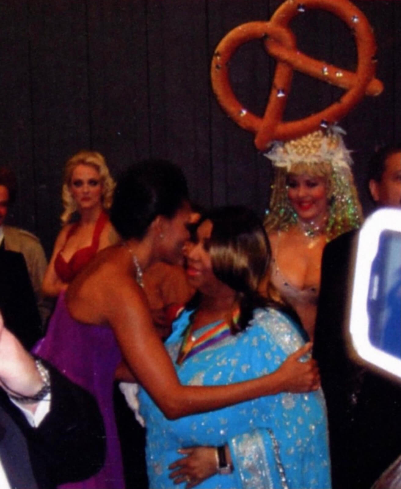 Michelle Obama backstage congratulating Aretha Franklin at the Kennedy Center Honors.