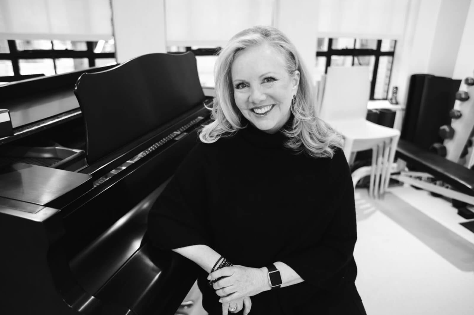 Portrait of Susan Stroman in her studio at the piano, for interview with The Interval.