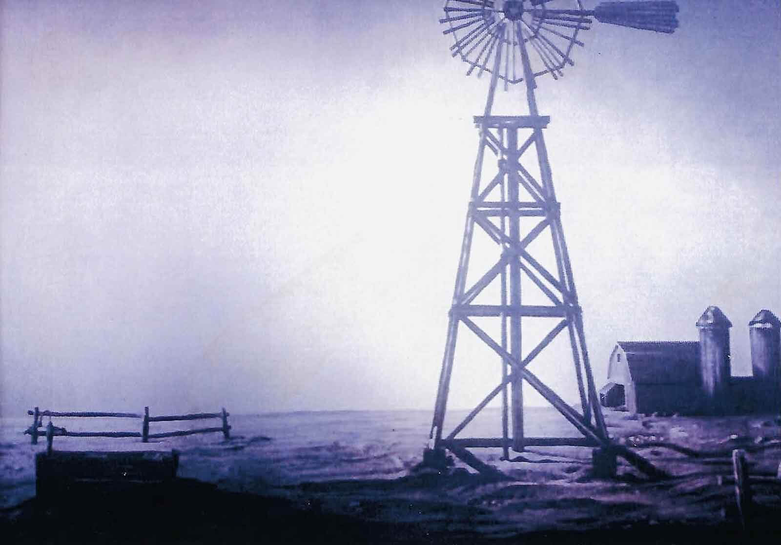 110 In the Shade at New York City Opera. Large windmill on the set, designed by Michael Anania.