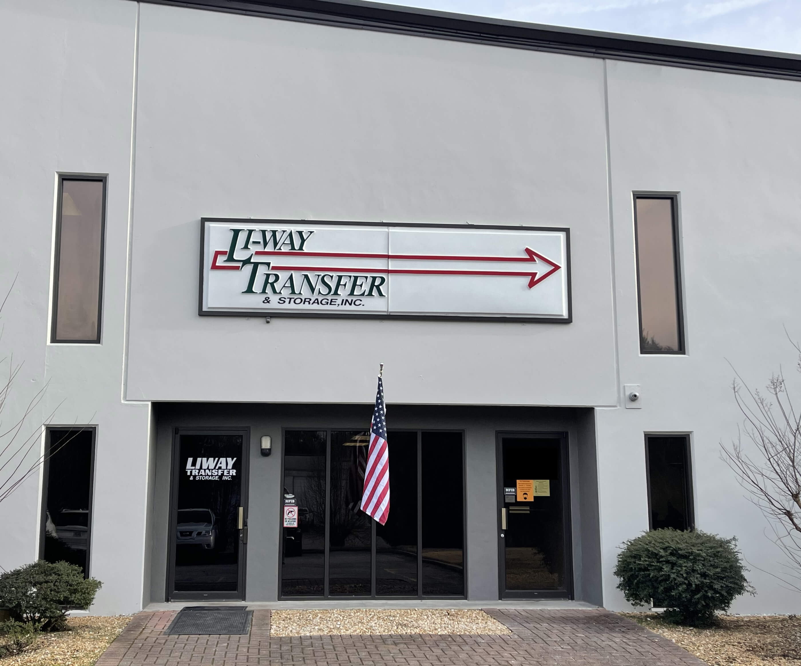 Li-Way Transfer & Storage, Inc Front of Building
