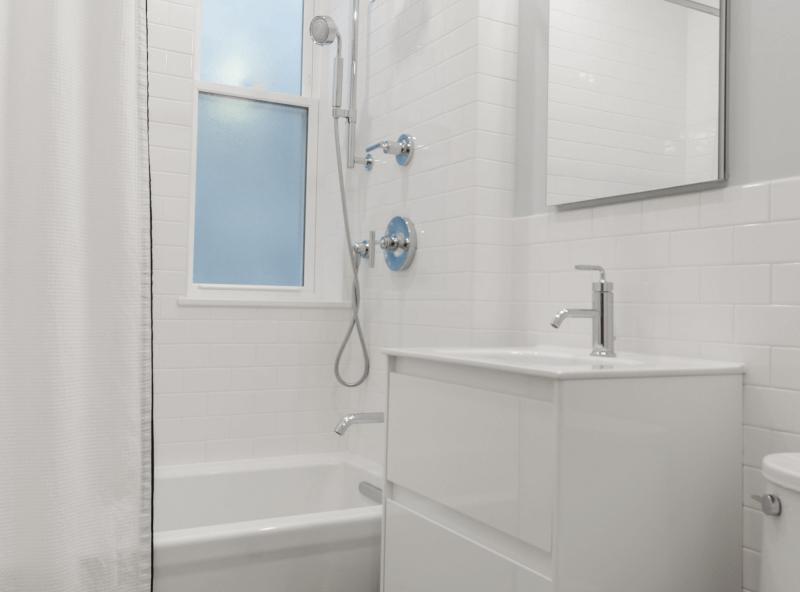 Surface renew bathroom refinishing.