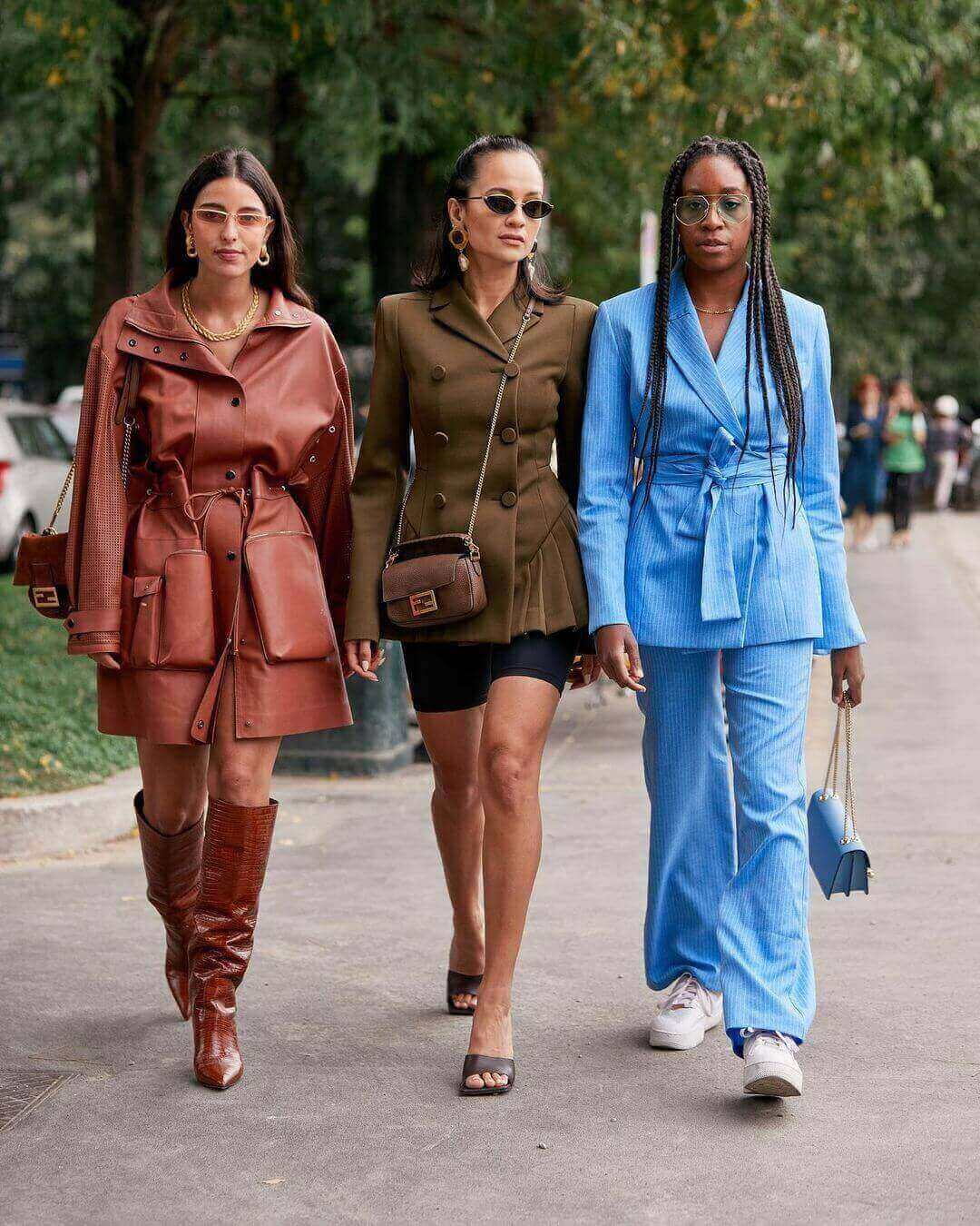 How To Dress in One Color?