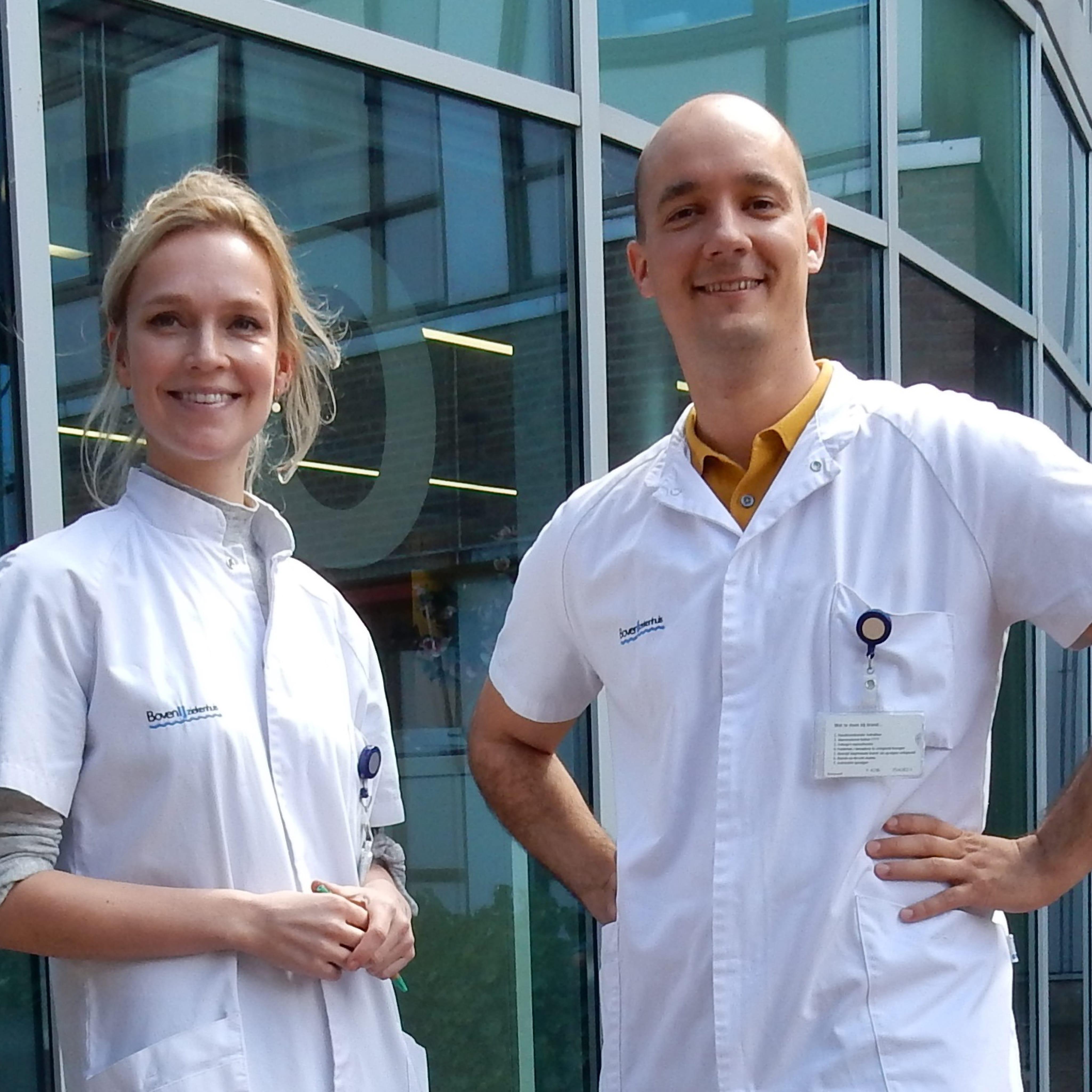Twee BovenIJ Ziekenhuis medewerkers, een man en een vrouw