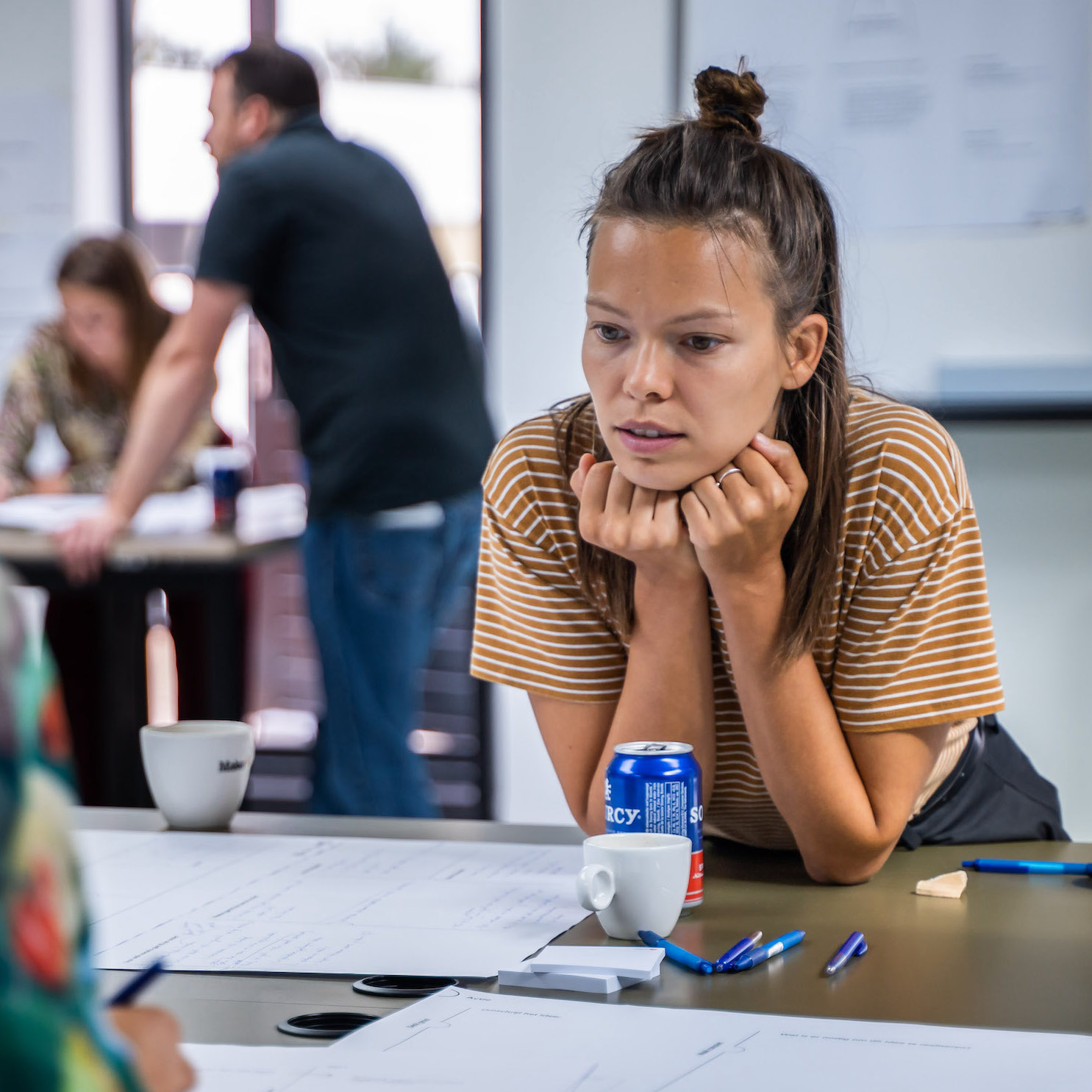 Stein aan het werk tijdens een Unplugged workshop, close up