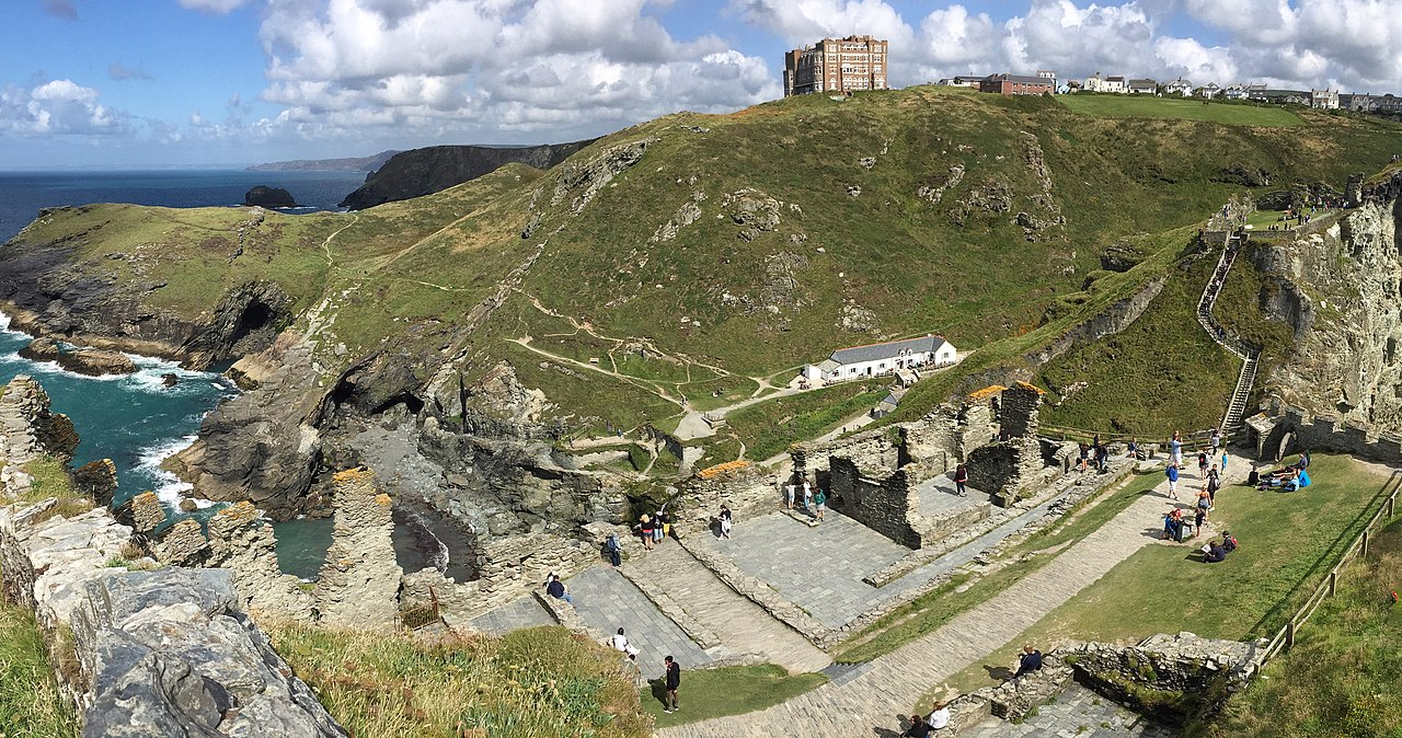 Remains of the 13th-century Tintagel Castle