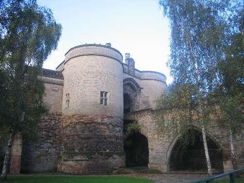 File:Nottingham Castle Gate 2009.jpg