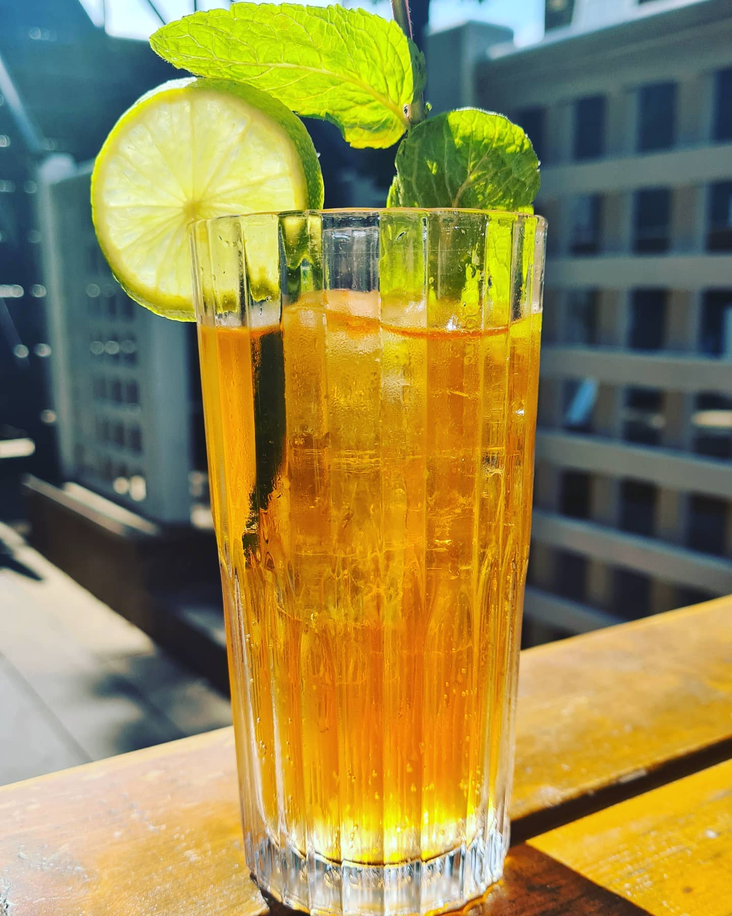 Were so glad summer has decided to arrive!  💗 Cocktails in our sunny garden 🥰 🥂 #tootingbec #tootingbroadway #balham #love #publunch #cocktails #lime #mint #beergarden #summer #loveit #huns #londonfoodie #sw17 #london #puppy #beer #british #winter #pimms #supportlocal #happy #f52grams #thirsty #thursday #spritz #drink #streatham #summerishere #clammy