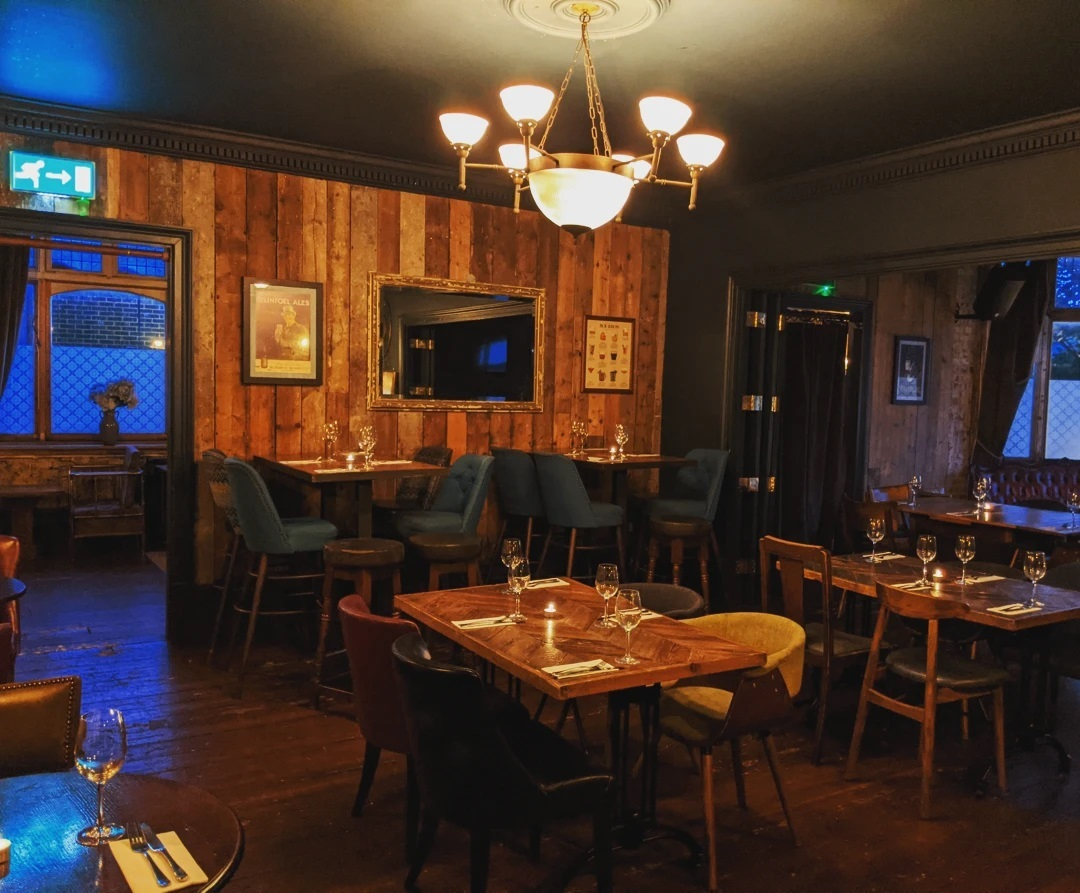Have you heard about our function space?   Whether it be seated or standing, formal or casual,  we have the space to suit all.   Come and see for yourself!   #pub #tooting #privatehire #events #function #tootingbec #beer #wine #food @tootingnewsie #party #wedding @urbanpubsandbars