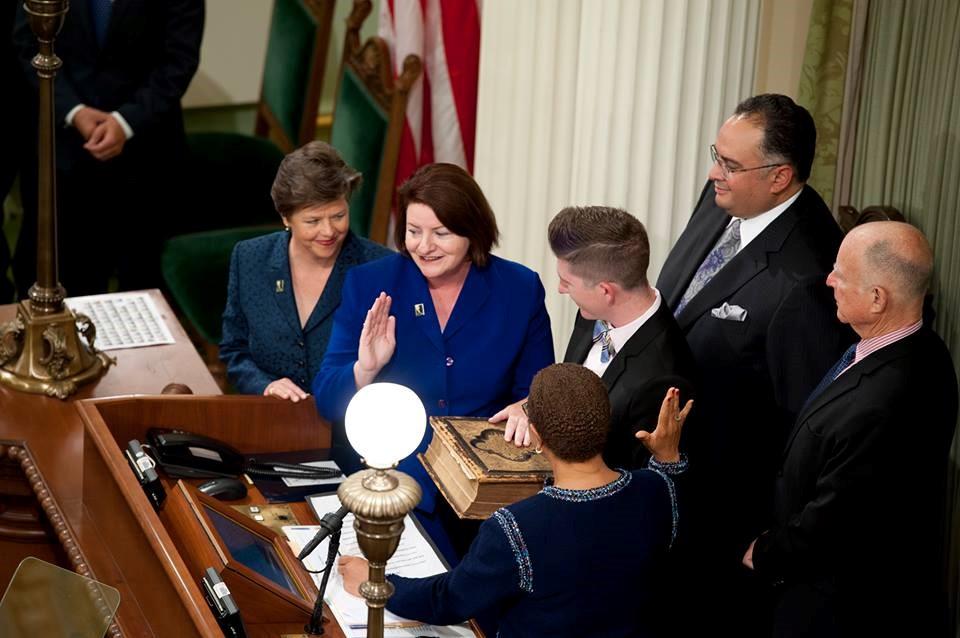 Toni Atkins is sworn in.