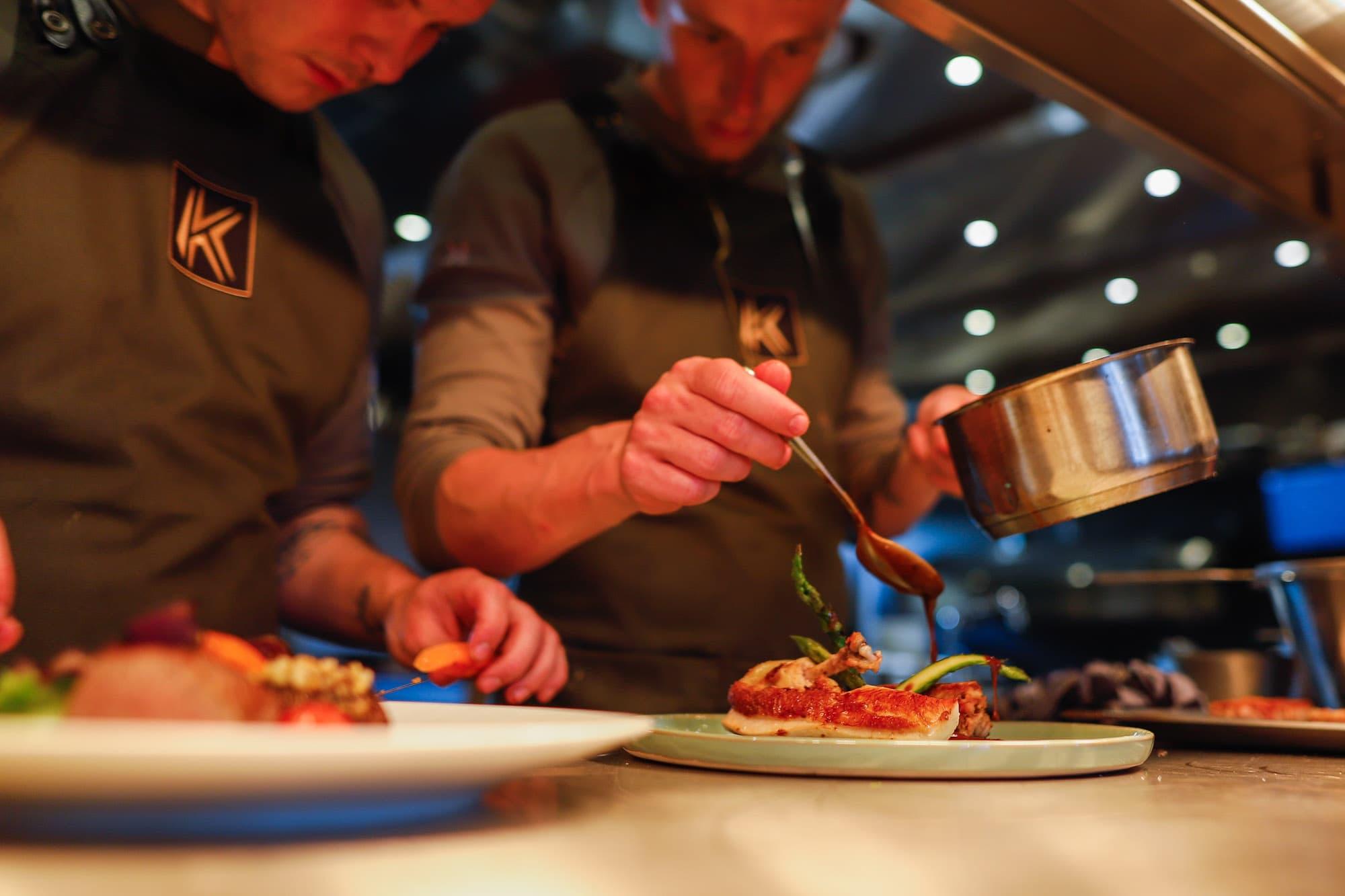 Restaurant Krelis werkende koks