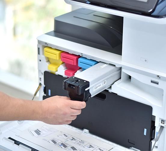 Impresora con tinta de color CMYK