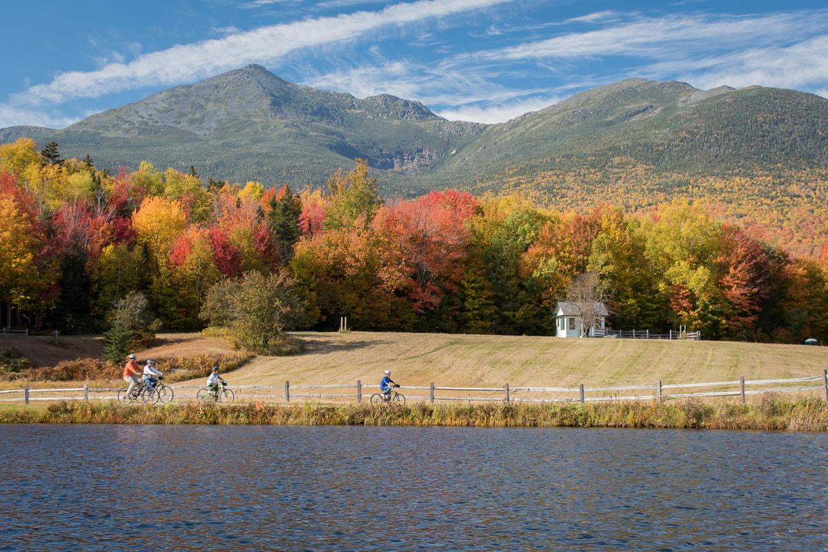 fall foliage biking in Mt. Washington Valley