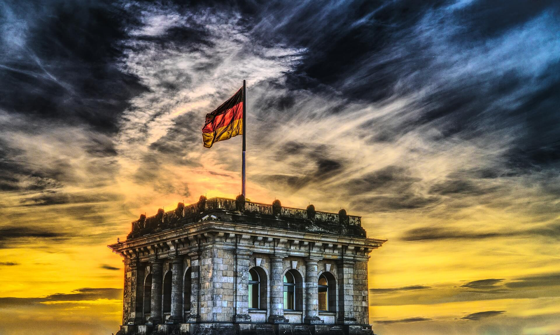 Important court ruling of the German Federal Fiscal Court relevant for Executive Employees (leitender Angestellte), resident in Germany and working in Switzerland.