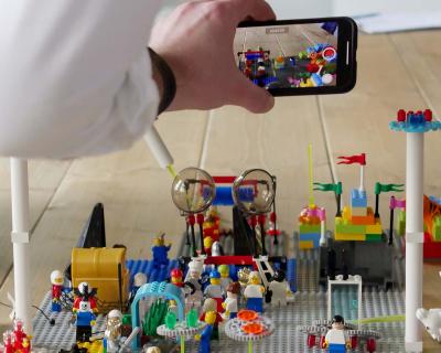 Lego und Smartphone