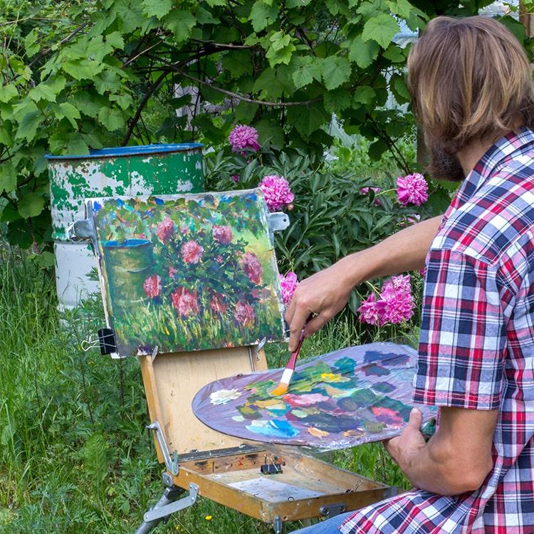 Artis painting in Plein Air