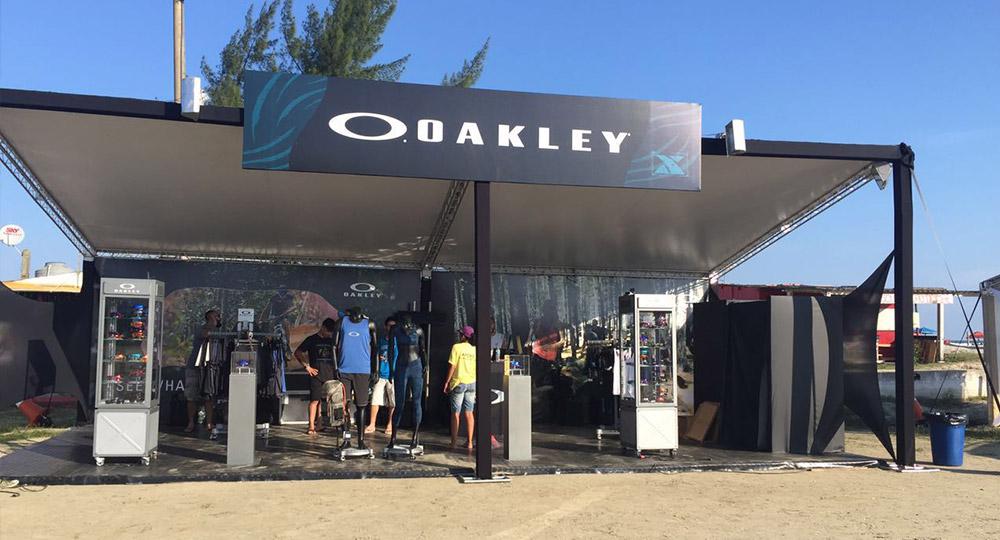 oakley e a tecnologia infracommerce