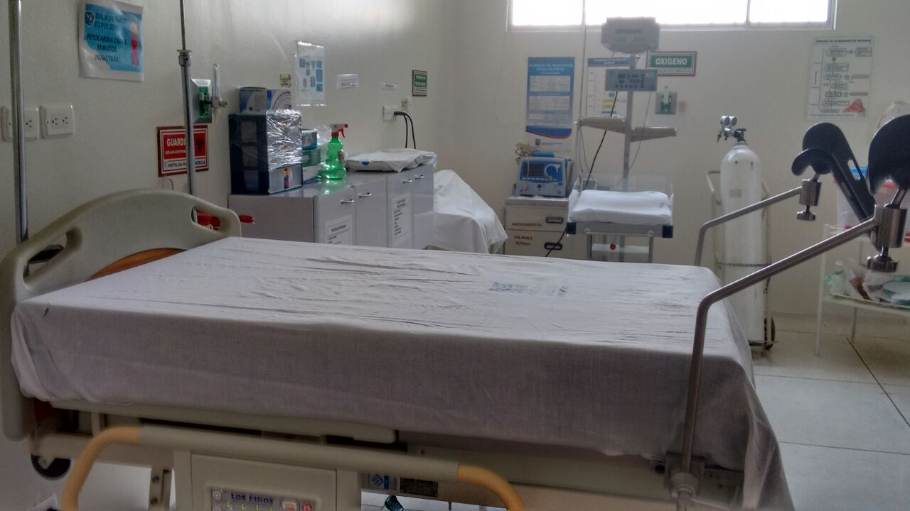 Paediatric nebuliser and dentistry instrumental, senses diagnostic set, pulse oximeter with neonatal and paediatric sensor, portable venous illuminator, bed