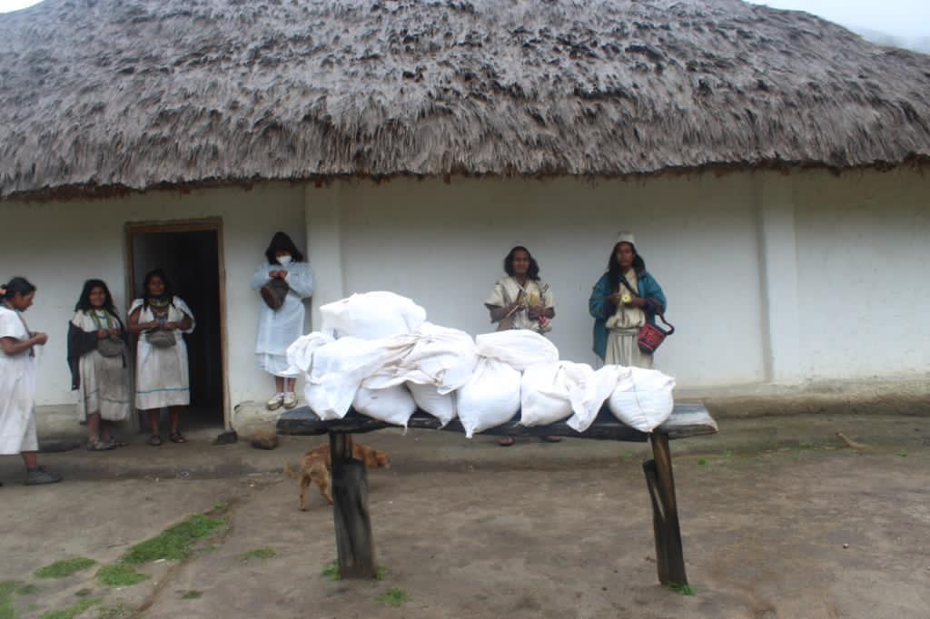 For indigenous communities Eparara Siapidara in Guapi Cauca, Kantinurwa and Yechikin at the Sierra Nevada and For Trojas de Cataca community at Cienaga Grande