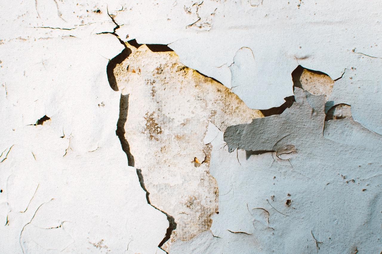 What Causes Cracks And Plaster Repairs